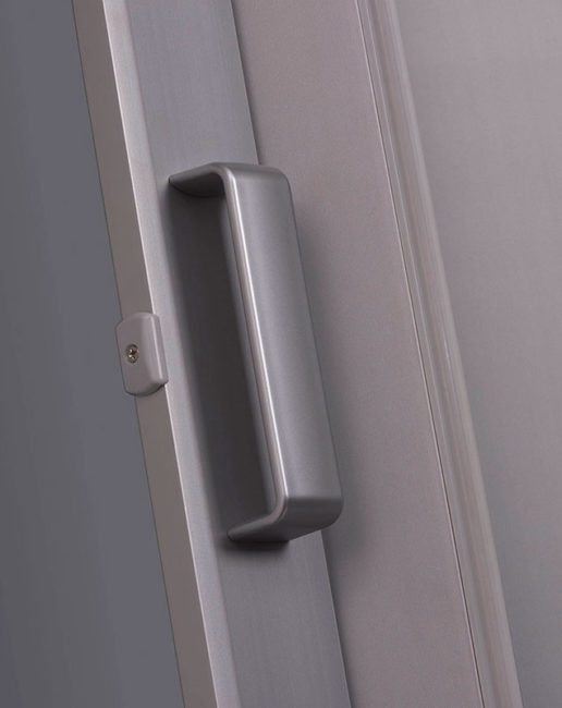 Elite folding door silver handle detail